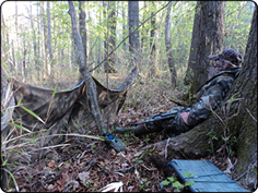 WeHuntSC.com - Mr. Puette sitting at the base of the tree