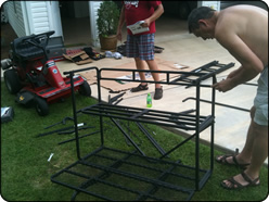 WeHuntSC.com - Putting the deer stand together