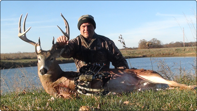 WeHuntSC.com - A large whitetail buck taken at the Southeast Iowa Outfitters